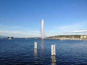 スイス・ジュネーブの晴天のレマン湖畔