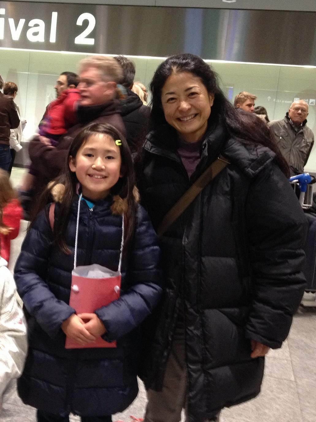 震災復興慈善事業スイスキャンプ招待2014ウインターチューリッヒ空港