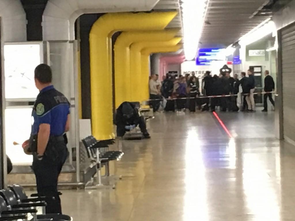 2016年4月10日ジュネーブ空港で不審物チェック