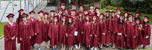 ブリヤモン校の卒業式