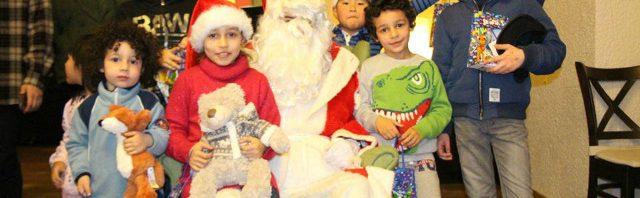レザン・アメリカンスクール 難民の子供たちとクリスマス会