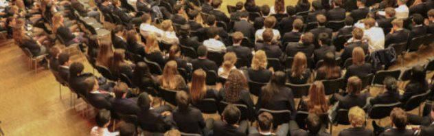 エイグロン・カレッジの卒業生を迎えて講演会
