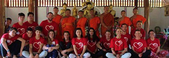 コレージュ・シャンピテ タイの村でボランティア活動