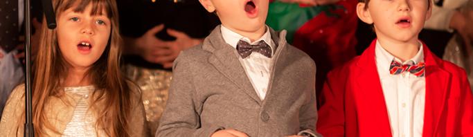 タシス・アメリカン・スクール:クリスマスシーズンの行事