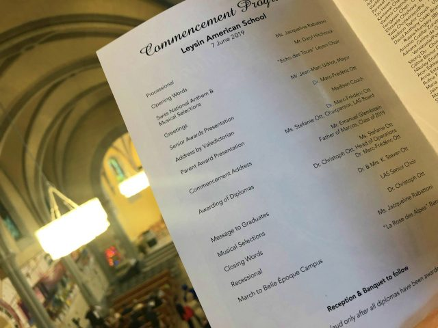 W09_IMG_9634-graduation-program-s