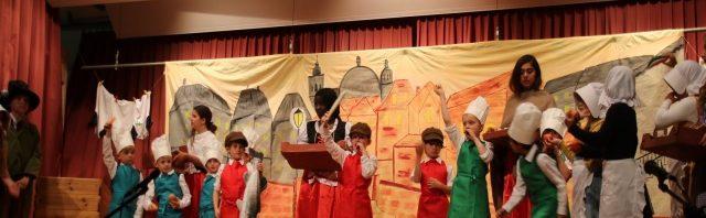 プレフルーリ 子どもたちによる年度末パフォーマンス