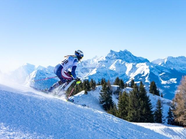 エイグロン・カレッジ でSGIS&FIS スキーレースが開催されました